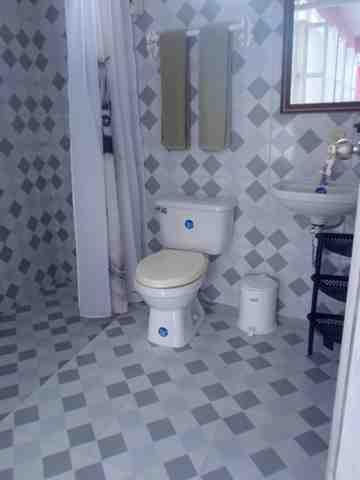 bano_habitacion_casa.edward-y-yixel-en-baracoa