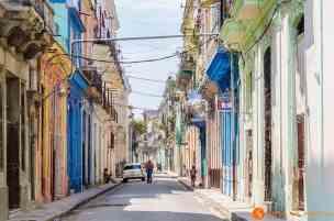 Calle-de-La-Habana-Vieja-La-Habana-Cuba- - copia