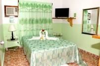 Habitacion-hostal-ciro-y-lourdes